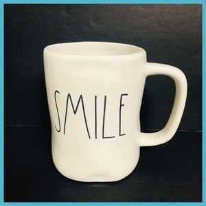 RAE DUNN SMILE COFFEE & TEA MUG